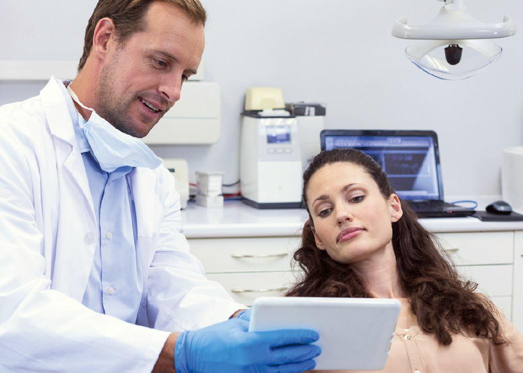 """Dr. Google rendel – hogyan kezeljük az """"informált"""" pácienst?"""